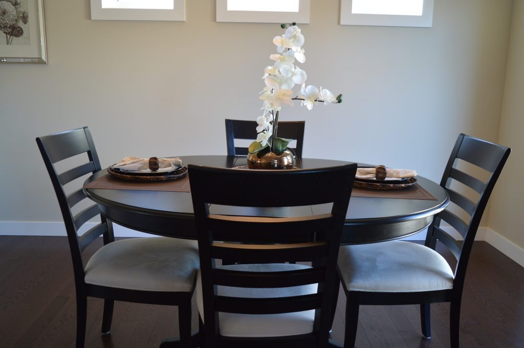 How to Reupholster Dining Room Chairs — In 2 Easy Methods